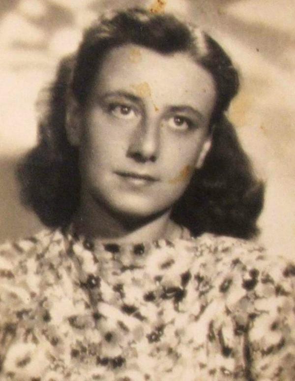 Ruth Bondyová ve 40. letech 20. století. Foto: Paměť národa