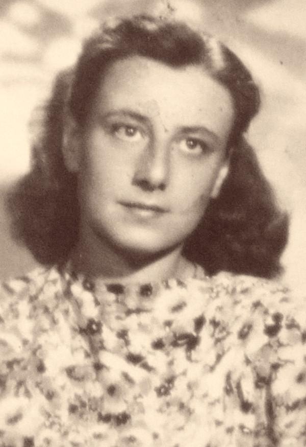 Ruth Bondyová v době války. Foto: Paměť národa