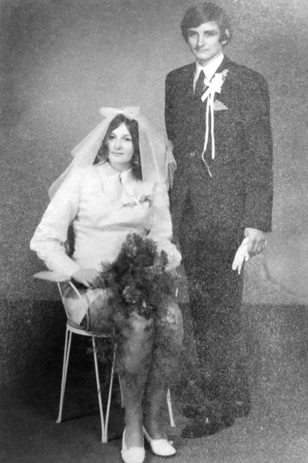 Svatební fotografie Drahomíry a Jana Šinoglových.