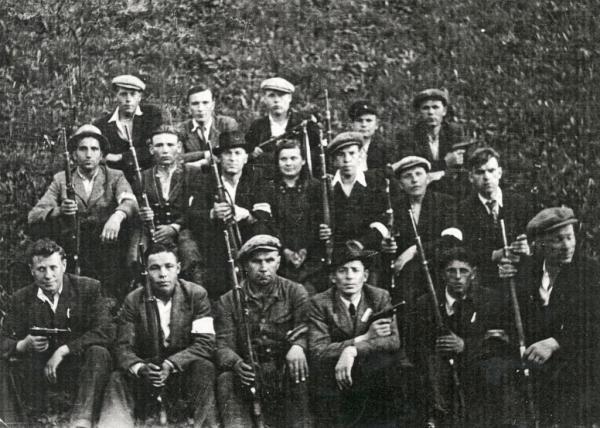 Skupina ruských zajatců. Zdroj: archiv Stanislava Adamce