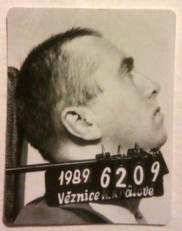 Stanislav Pitaš ve vězení v Hradci Králové v roce 1989.