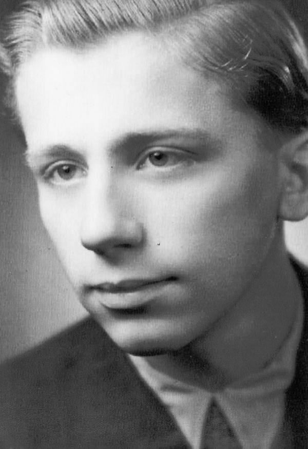 Jako maturant v roce 1952. Foto: Paměť národa