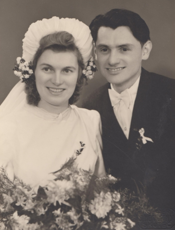Svatební fotografie Ludmila a Jaroslav Severinovi. Foto: Paměť národa