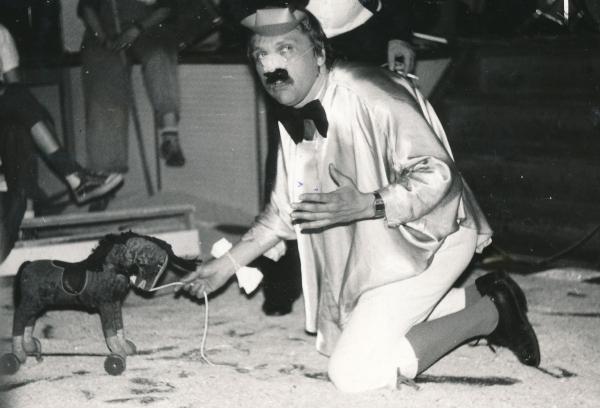 Béla Szaló na podnikovém večírku v roce 1987.