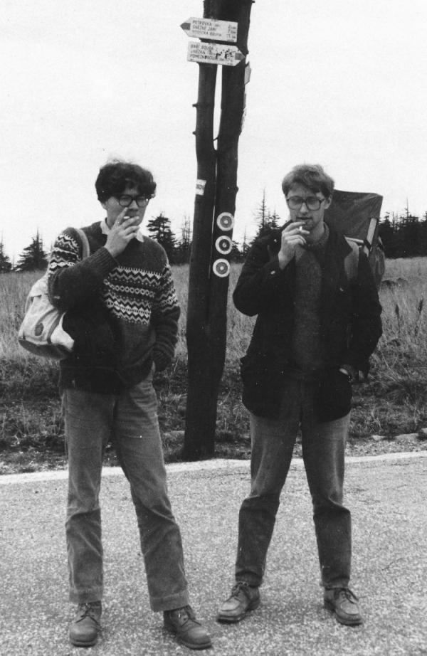 Kurýři Jáchym Topol (vpravu) a Alexandr Vondra.