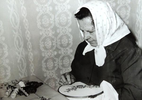 Matka Františka Holišová v 60. letech. Zdroj: Archiv pamětnice