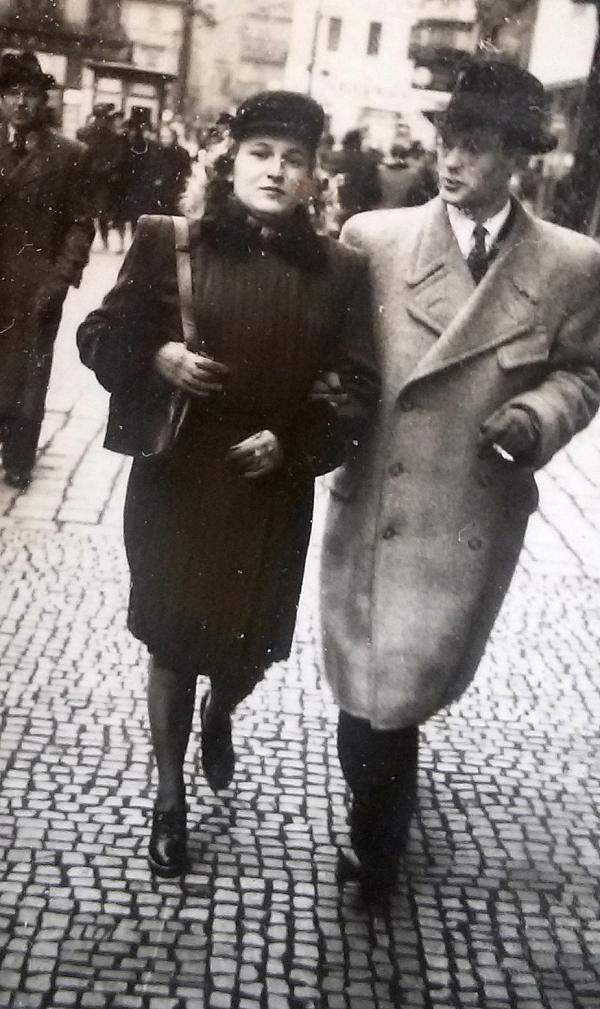 Věra s budoucím manželem v době seznámení. Zdroj: archiv Věry Kazdové