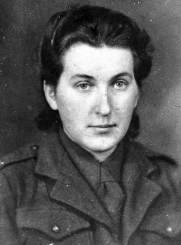 Věra Suchopárová v uniformě. Foto: Paměť národa