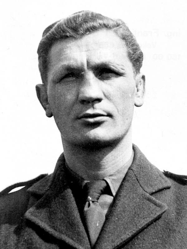 """Vilém """"Vilda"""" Jakš jako příslušník 311. československé peruti RAF. Zdroj: Military revue"""