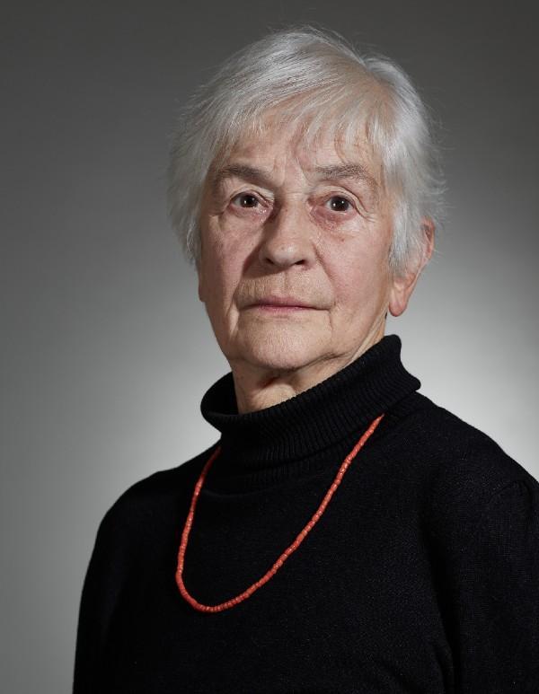 Anastasie Kopřivová Vystudovala pedagogiku, češtinu a ruštinu na Filozofické fakultě UK a pracovala v Pedagogickém ústavu J. A.