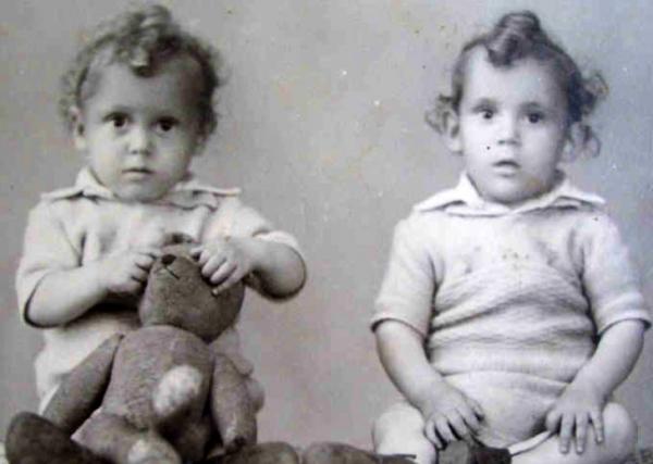 Dvojčata Ondřej a Josef se narodila, když byl Ondřej na vojně u PTP. Foto: Paměť národa