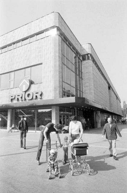 Nový obchodní dům Prior v Hradci Králové v roce 1981. Foto: ČTK/Jan Šváb