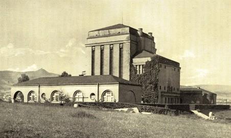 Historický snímek krematoria z roku 1928. Zdroj: liberec-reichenberg.net