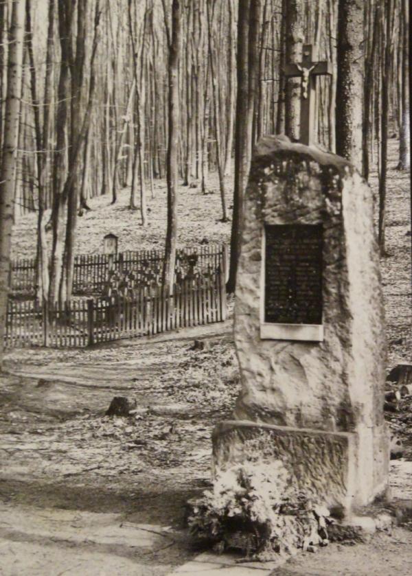 Pomník Aloisie Špičákové. Foto: Paměť národa