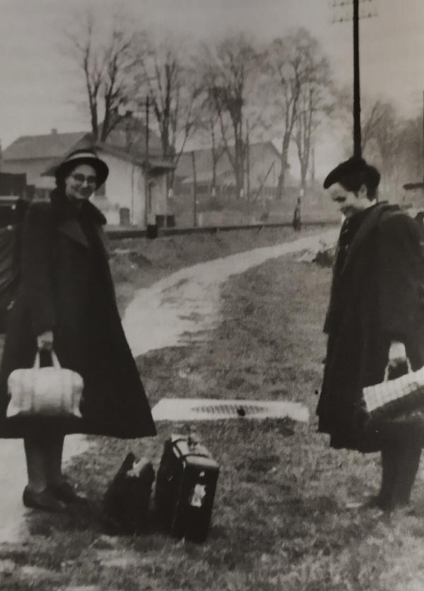 Švestka se svou maminkou Jarkou po přechodu hranice. Zdroj: archiv Sylvy Šimsové