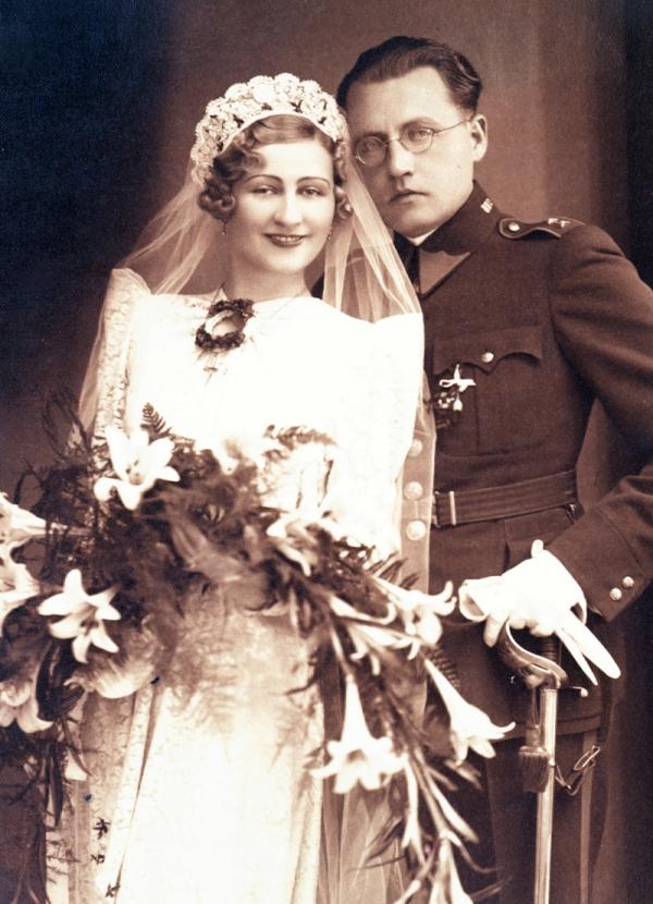 Svatební foto rodičů Agáty Pilátové.