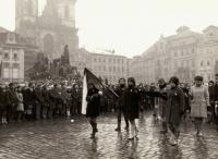 Tryzna za Jana Palacha, smuteční průvod na Staroměstském náměstí