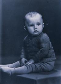 Vladimír - 1 rok, fotografie zaslaná příbuznými rodičům do nacistického vězení