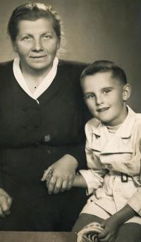 S tetou Hedou