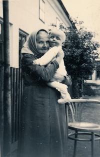 Vladimír s babičkou Budzowskou z otcovy strany