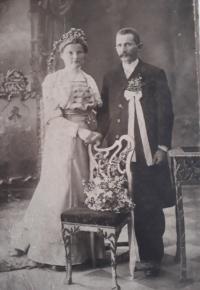 Aurelie a Štefan Rotterovi ze samoty z Hynčic nad Moravou, kde sloužila Anna Matysová (Kršková)