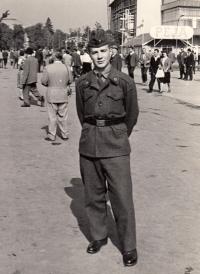 Na vojně, 1963