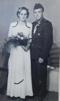 Sestra Herta s manželem Ginterem