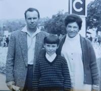 Stanislav Stojaspal s rodiči Stanislavem a Marií