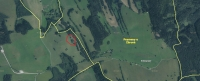 V červeném kroužku místo, kde došlo k vraždě rodiny Krusche v osadě Štolnava. Aktuální letecká mapa