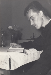 During his studies at the Faculty of Theology in Olomouc during the years 1969 to 1974