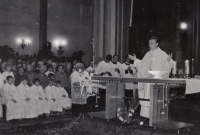 The first blessing of František Kunetka in the Church of Saint Maurice in Olomouc, 23. 6. 1974