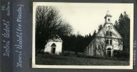 Kaplička zasvěcená sv. Martě na fotkách z rodinného alba (polovina 50. let).