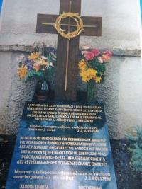 Hrob s pozůstatky karpatských Němců zastřelených v červnu 1945 u Přerova