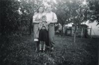 První setkání s otcem po válce 1945