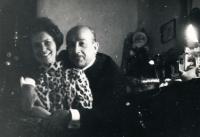 1964 - setkání rodičů po 20 letech. Vzali se znovu.