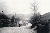(1964 foceno) - cesta do školy do Jaklovců