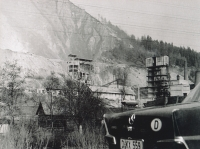 1964 - Vápenka, otcovo auto, otec na návštěvě