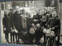 Koláriková Zdenka  školská fotografia z konca druhej svetovej vojny