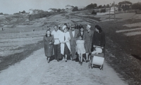 Podolsk, na výletě s místními rodinami, 30. léta