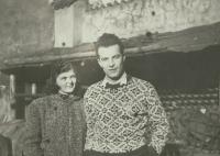 Jaroslava s bratrem