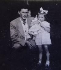1958 - pamětník s dcerou