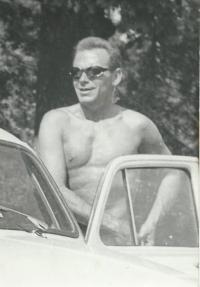 Manžel Jaroslavy MUDr. Karel Dobruský