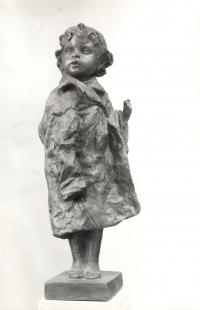 Kabátníček – třetinový model o výšce 55 cm (r. 1977)