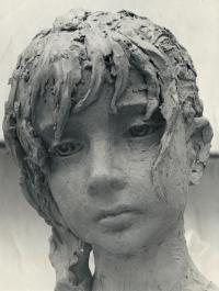 Lidická dívka z hlíny – detail