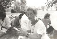 Věra Náhlíková na Pochodu míru a tolerance (srpen 1989)