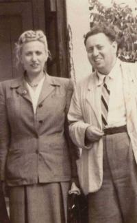 Josefína a bratr Miloslav Löwe, nejspíš v době před 2. sv. válkou