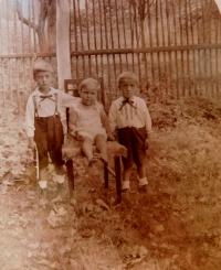 Sourozenci Schreiberovi - zleva Josef, Anna, Zdeněk