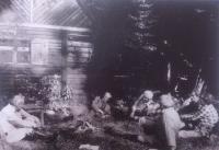 Samechov (14.–15. 6. 1980) – Míla Vavrda Minehaha zvolen čestným náčelníkem. Zleva: Atahualpa, Minehaha, Jánoš, Ink, Los a Jarmila