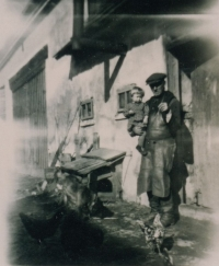 Young Marianna with her grandfather immediately before the outbreak of the war