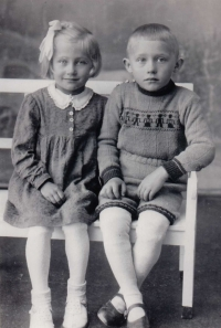 Marianne and Horst Wanka (1944)